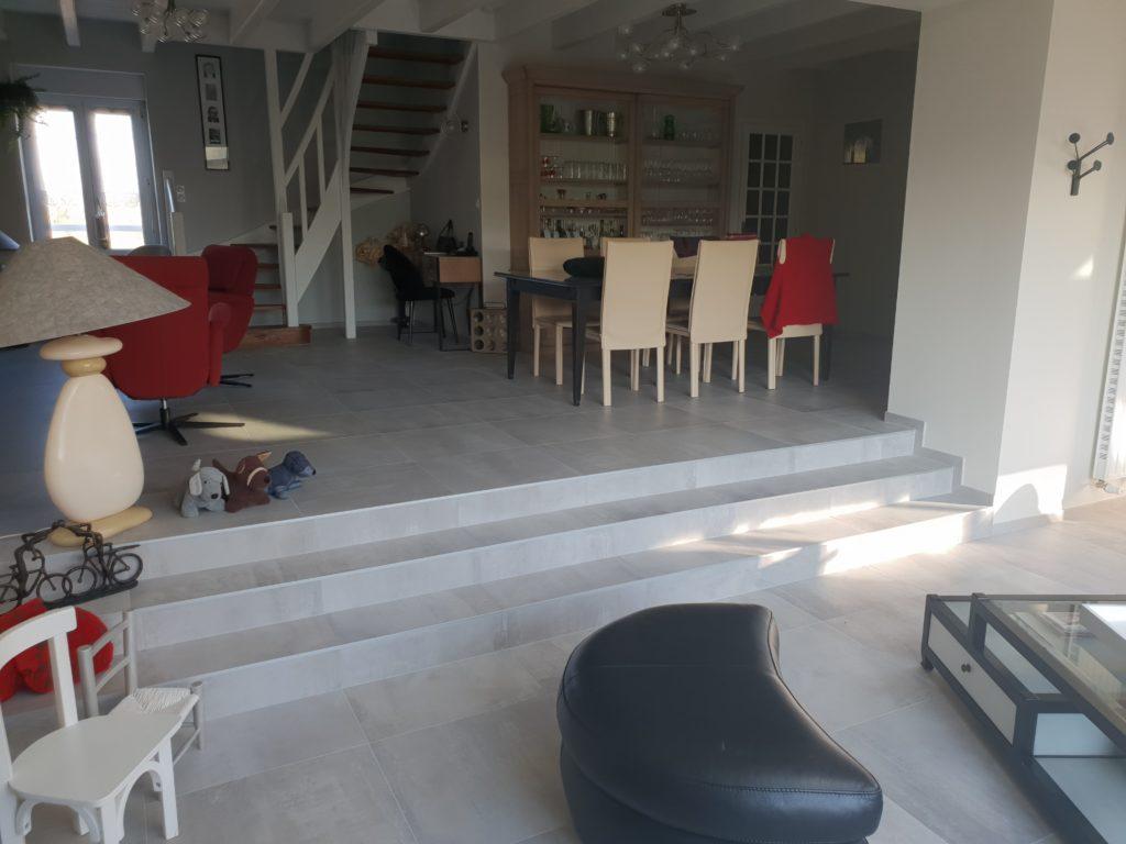 salle-escalier-carrelage-duoceram-saint-pere-en-retz